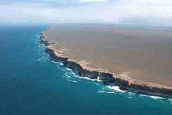 Nullarbor-Cliffs-Australia